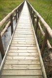 Percorso pedonale sui pali di legno Fotografia Stock