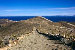 Percorso su Isla del Sol nel Titicaca, Bolivia Fotografie Stock Libere da Diritti
