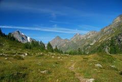 Percorso Trekking nelle alpi di Ossola Immagine Stock