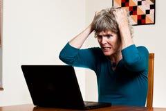 Perda dos dados: Rasgando seu cabelo para fora Imagem de Stock Royalty Free