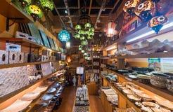 Perełkowi i drewniani naczynia przy Środkowym rynkiem, Kuala Lumpur zdjęcie royalty free