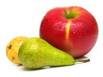 Pere e mela rossa matura 4 fotografia stock libera da diritti