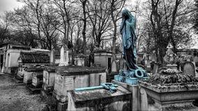 从Pere Lachaise公墓巴黎的雕塑 库存照片