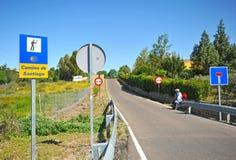 Peregrino cansado no através de la Plata, Camino de Santiago, Espanha Imagens de Stock Royalty Free