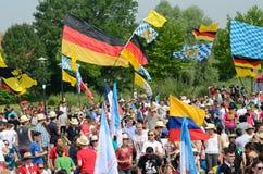 Peregrinos con las banderas, día de juventud de mundo 2016 fotografía de archivo