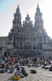 Peregrinos en la catedral Fotografía de archivo libre de regalías