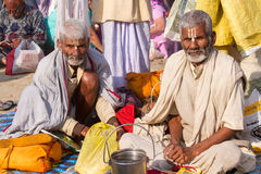 Peregrinos hindúes en el Kumbha Mela, la India fotografía de archivo libre de regalías