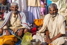 Peregrinos hindúes en el Kumbha Mela, la India Fotografía de archivo