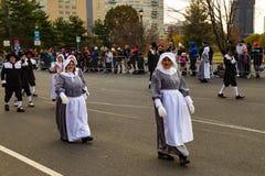 Peregrinos marzo en desfile anual de la acción de gracias de Philly Imagenes de archivo