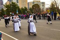 Peregrinos marzo en desfile de la acción de gracias de Philly Imagenes de archivo