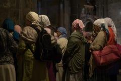 Peregrinos na igreja do sepulcro santamente fotografia de stock