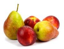 Peren en nectarines op een witte achtergrond Royalty-vrije Stock Afbeelding