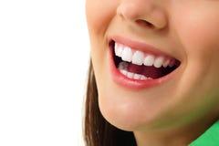 Perfeccione a la muchacha adolescente alegre del diente sano de la sonrisa Foto de archivo libre de regalías