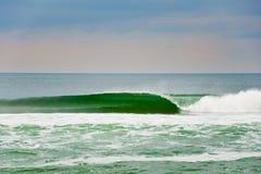 Perfeccione la onda Foto de archivo