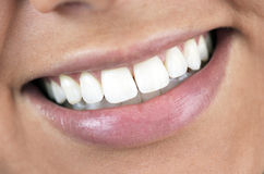 Perfeccione la sonrisa, dientes blancos Imagen de archivo