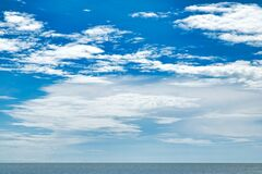 Free Perfect Blue Sky With Clouds And Water Of The Sea, Ocean And Sky. Nature Background Of Sea Horizon And Clouds Stock Photos - 193626153