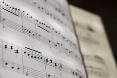 Perfect romantyczny muzycznej notaci prześcieradło muzyczny tło biel Obrazy Stock