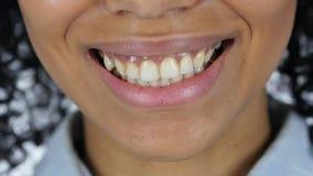 Perfect Uśmiechnięte wargi Afro amerykanina kobieta Fotografia Stock