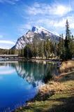 Perfecte de bergscène van het beeld in Banff. Stock Foto