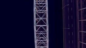 Perfecte lijnen Geometrische nauwkeurigheid De vervoerbrug over de rivier Mooie overspannen brug stock footage