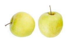 Perfectionnez les pommes vertes fraîches d'isolement sur le fond blanc Images stock