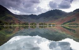 Lovely reflections at Lake Buttermere, Lake District stock photography