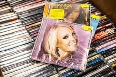Perfekt dag 2007 f?r Cascada CDalbum p? till salu sk?rm, ber?md tysk musikband f?r dansmusik arkivfoto