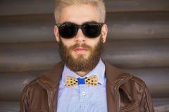 Perfekt hipsterdräkt royaltyfria bilder