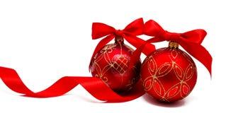 Perfekt röd julbalsl med det isolerade bandet Fotografering för Bildbyråer