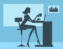 perfekt silhouettekvinna för kontor Arkivbild