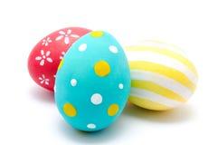 Perfekta färgrika handgjorda isolerade easter ägg Arkivbilder