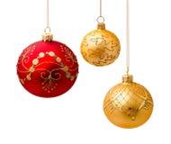 Perfekta julbollar som isoleras på vit Arkivbilder