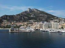 Perfekte Ansicht über Jachthafen in Monaco stockfotos
