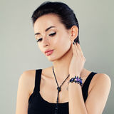 Perfekte Frau mit Make-up stockfotos