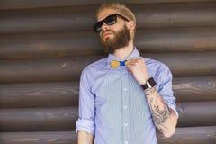 Perfekte Hippie-Ausstattung lizenzfreie stockfotos