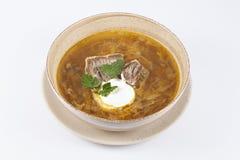 Perfekte Kohlsuppe mit Sauerrahm Stockfotos