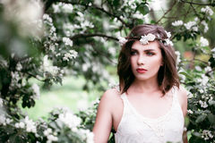 Perfektes Frauen-Mode-Modell Outdoors Gesundheit und Schönheit stockbilder