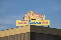 Perfektions-Sonnenstrahlbrotzeichen Stockfoto