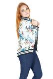 Perfil de la muchacha bonita Moda estilo Muchacha Redheaded que lleva c Imágenes de archivo libres de regalías
