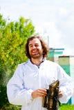 Perfil de un encargado de la abeja Fotos de archivo libres de regalías