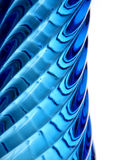 Perfil de un florero de cristal azul Fotos de archivo