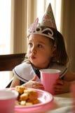 Perfil de una muchacha del cumpleaños Imagenes de archivo