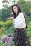Perfil de una mujer asiática joven, para el gráfico Imagen de archivo