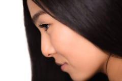 Perfil del primer de la señora asiática en estudio Fotos de archivo