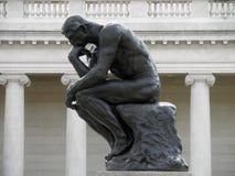 Perfil lateral del pensador de Rodin Imagenes de archivo