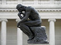 Perfil lateral do pensador por Rodin Imagens de Stock