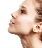 Perfile a face da mulher bonita com pele limpa foto de stock royalty free