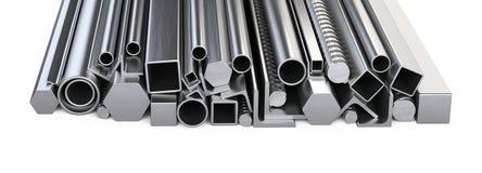 Perfiles de Metalick y pila de los tubos Warehouse para la construcción mA imagen de archivo libre de regalías