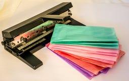 Perforateur de papier au bureau Photographie stock