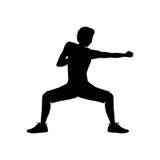 Perforazione di posizione della difesa di arti marziali dell'uomo della siluetta illustrazione di stock